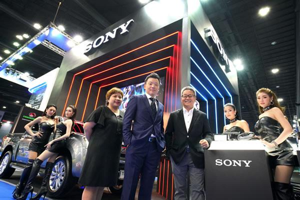 """โซนี่ไทย เสริมแกร่งผู้นำเทคโนโลยีและผลิตภัณฑ์ Hi-Resolution Audio ด้วยการส่งสุดยอดผลิตภัณฑ์กลุ่มเครื่องเสียงในรถยนต์ 3 รุ่นใหม่ล่าสุด  เปิดมิติใหม่แห่งการฟังเพลงคุณภาพสูงอย่างสมบูรณ์แบบ  ด้วยแนวคิด """"Music in Motion"""" ในงานมอเตอร์โชว์ 2018"""
