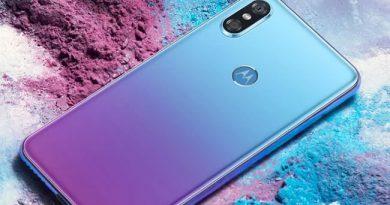 Motorola P30 สมาร์ทโฟนกล้องหลังคู่ บอดี้สวย สีสันสดใส