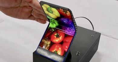 Sharp โชว์ต้นแบบสมาร์ทโฟนพับได้แนวตั้ง